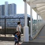 新川崎駅から歩道橋でつながっています